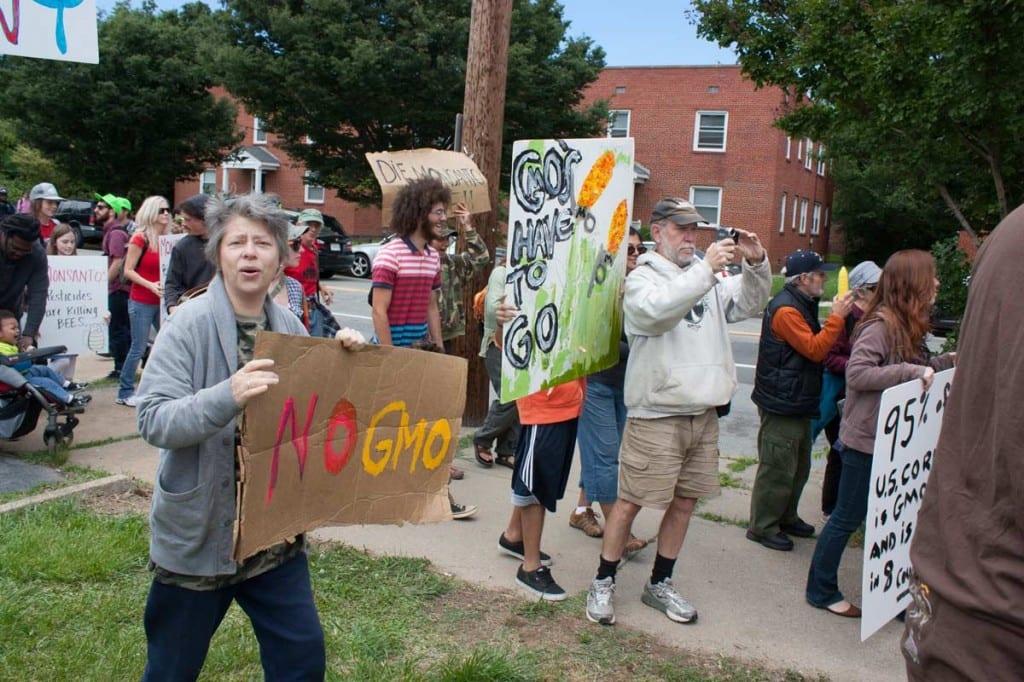 Richmond, Virginia, Monsanto, protestas, gmo, etiquetado, sese, sur, agricultura orgánica, semillas, negocios