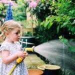 ¿Cuál es el mejor horario de riego para su jardín?