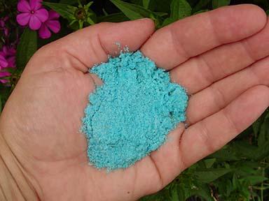 Cómo los fertilizantes sintéticos dañan el suelo, el aire y el agua ⋆ Gran blog sobre jardinería