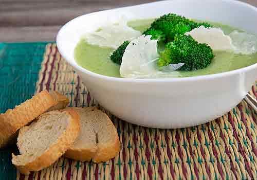 La mejor receta de sopa de brócoli y queso cheddar