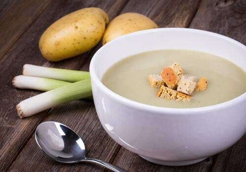 sopa de papa con puerros