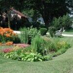 Cómo construir un jardín de lluvia para capturar Runoff
